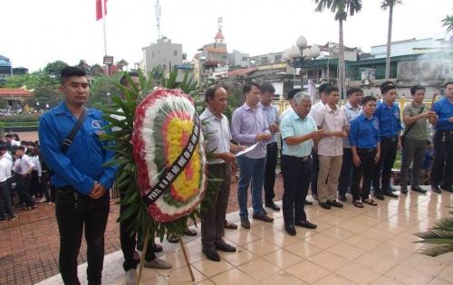 PVOIL Nam Định tổ chức thắp hương tri ân các anh hùng liệt sỹ